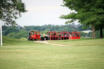 airbouond-trackless-train-rental-2