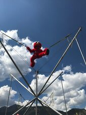 airbound-bungee-trampoline-elmo-1